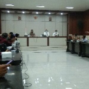 Pemda Lotim menggelar konferensi pers pemberlakuan PPKM Darurat Imbangan