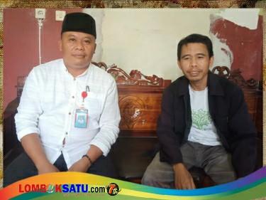 Kepala Dusun Karang Ide I Desa Bilebante Kecamatan Pringgarata (kanan) saat bersilaturahmi dengan Sekretaris FKD