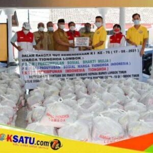 Bantuan sembako dari Komunitas Tionghoa kepada Bupati Lombok Timur