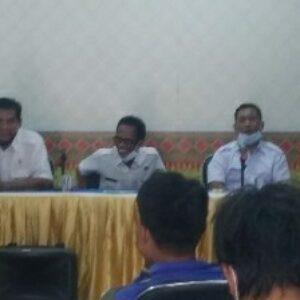 Jajaran Dispertanak Loteng saat menggelar konferensi pers terkait kematian mendadak puluhanan kerbau di wilayah Selatan