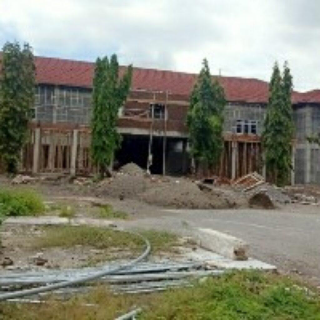 Gedung Mapolres Loteng yang masih dalam tahap pembangunan