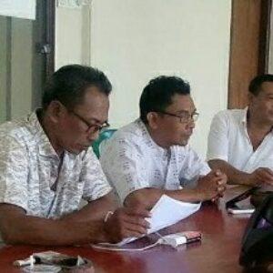 M.Irpan (kiri) bersama para petinggi Gapensi Lombok Tengah bahasa proyek mapolres