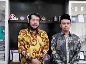 Ketua MK RI Anwar Usman didampingi Ketua Yayasan Pendidikan Hamzanwadi HM Djamaluddin (kanan) saat berkunjung ke Universitas Hamzanwadi
